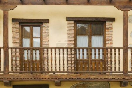 Photo pour Balcon à Rioseco, Nord de l'Espagne - image libre de droit
