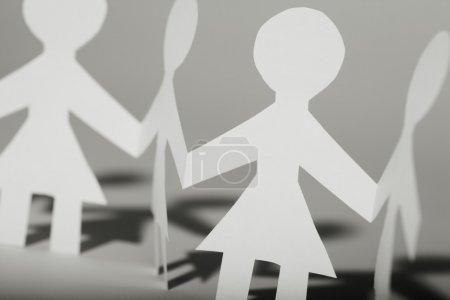 Photo pour Poupées en papier féminin - image libre de droit