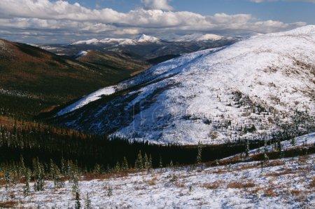 Photo pour Montagnes du Territoire du Yukon - image libre de droit