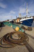 Loď kotví, whitby, west yorkshire, Anglie