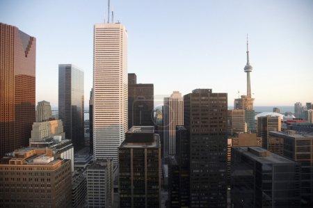 Photo pour Toronto, Ontario, Canada, vue sur la ville des gratte-ciel et des bâtiments - image libre de droit
