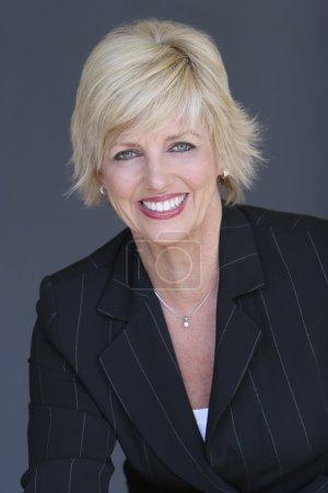 Photo pour Portrait de femme d'affaires - image libre de droit