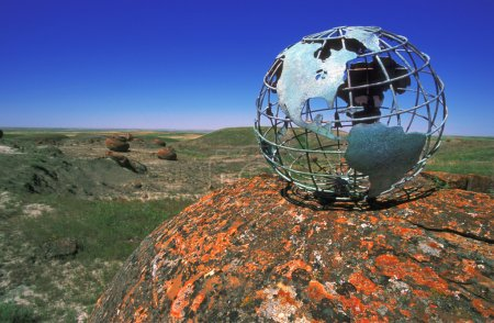 Photo pour Globe Surplombant la vallée - image libre de droit