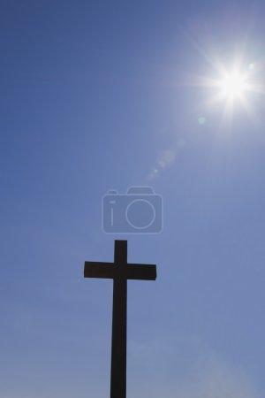 Photo pour Croix dans le ciel - image libre de droit