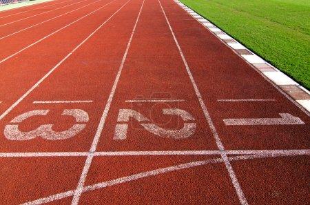 Photo pour Circuit de course pour le sport dans les numéros un, deux et trois - image libre de droit