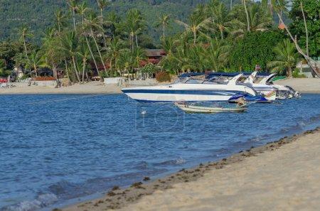 Yacht boats parking in sea beach, sa-mui island, south of thaila