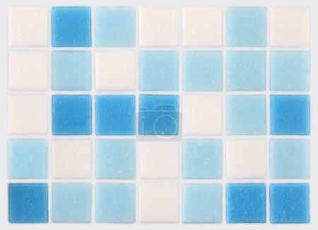 Photo pour Fond de mosaïques bleues et blanches - image libre de droit