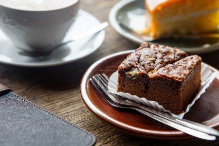 Photo pour Fond bois de grunge cakeon au chocolat - image libre de droit