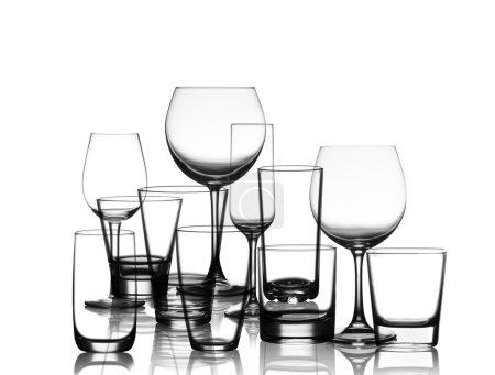 Photo pour Collection de verres à tasse isolés sur fond blanc - image libre de droit
