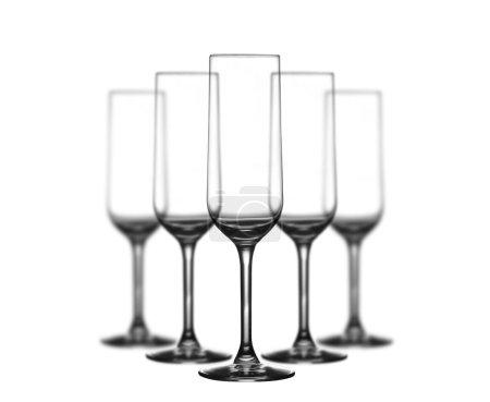 Photo pour Ensemble de verres à champagne sur fond blanc - image libre de droit