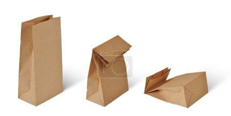 Photo pour Sacs en papier isolés sur blanc - image libre de droit