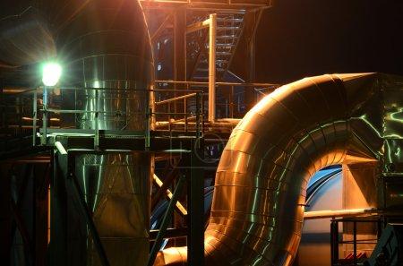 Foto de Vista de tuberías industriales - Imagen libre de derechos