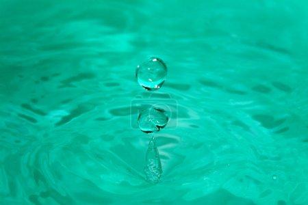 Photo pour Goutte d'eau - image libre de droit