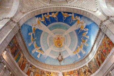 Photo pour Dôme de l'église de Santa Luzia à Viana do Castelo, près de Porto, Portugal, voir de belles peintures d'anges et la Passion du Christ - image libre de droit