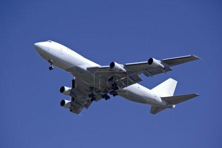 Photo pour Avions-cargos en vol - image libre de droit