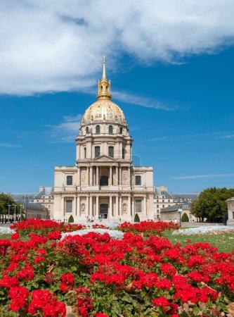 Photo pour L'église du Dôme de la Résidence Nationale des Invalides à Paris, France . - image libre de droit