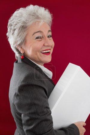 Photo pour Cadres supérieurs heureux avec des documents - image libre de droit