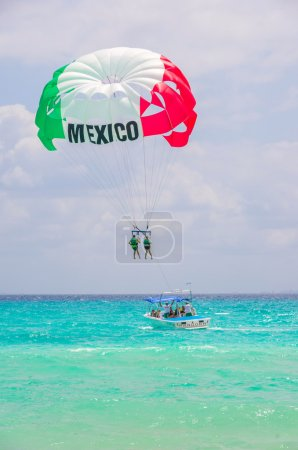 Extreme sport on mexican caribbean