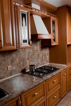 Foto de Interior de la cocina moderna en casa nueva - Imagen libre de derechos