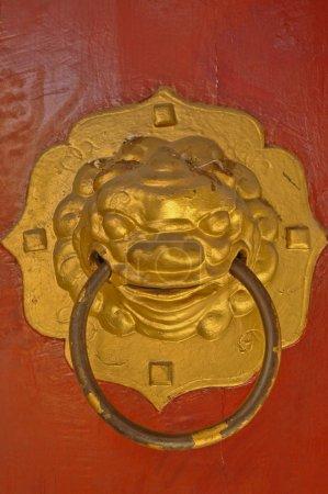 Chinese golden lion door knob