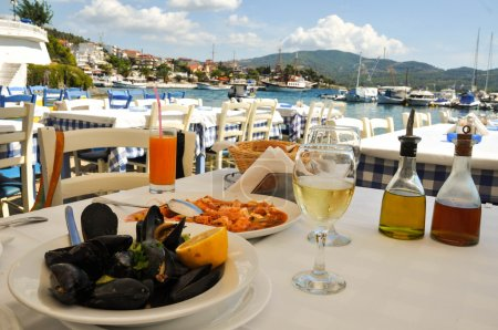 dinner in greece restaurant