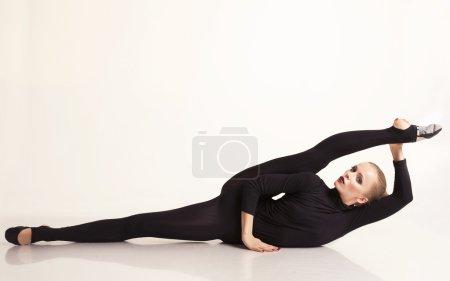 beautiful dancer woman with bond hair in dancing studio
