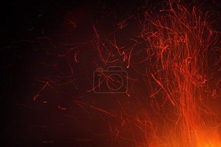 Photo pour Des étincelles de feu - image libre de droit