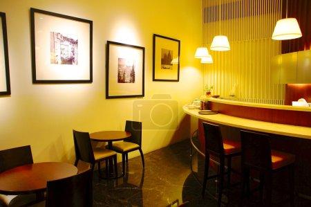 Photo pour Café-restaurant est un endroit agréable pour se reposer - image libre de droit