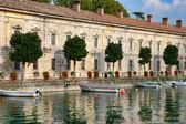 řada řadových domů v desenzano del garda lake garda Itálie