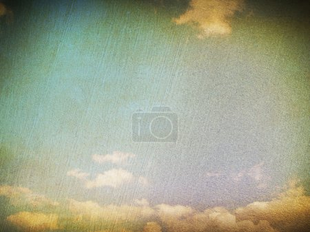 Photo pour Image rétro du ciel nuageux - image libre de droit