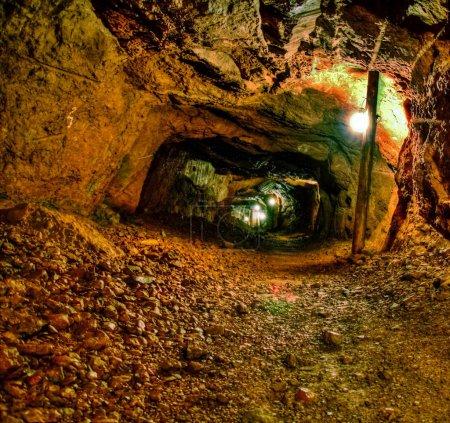 Photo pour La mine de cuivre Delaware, située à Copper Harbor, au Michigan, fait partie du parc historique national Keweenaw. La mine offre des visites auto-guidées, qui permettent aux visiteurs un aperçu des difficultés auxquelles les mineurs font face quotidiennement . - image libre de droit