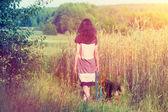 Mladá žena se psem