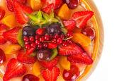 Nakrájené ovoce a bobule