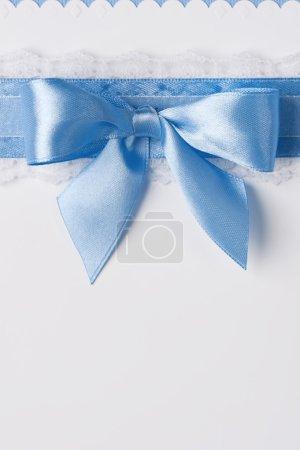 Photo pour Carte de voeux avec ruban bleu - image libre de droit