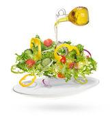 Lehký salát z čerstvé zeleniny