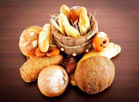 Photo pour Différents types de pains . - image libre de droit