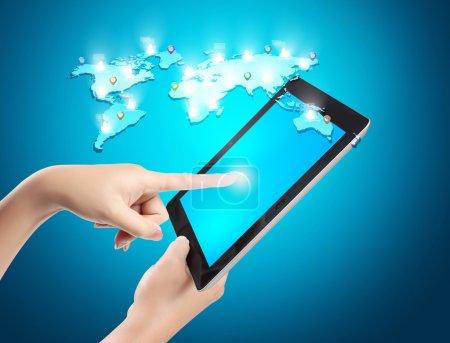 Photo pour Tablette écran tactile et montre le tableau - image libre de droit