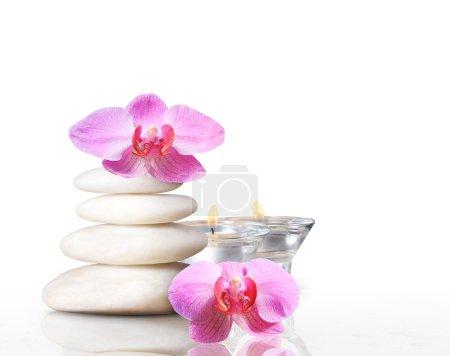 Photo pour Concept spa massage pierres avec orchidée plumeria fleur - image libre de droit