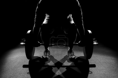Male deadlift black and white