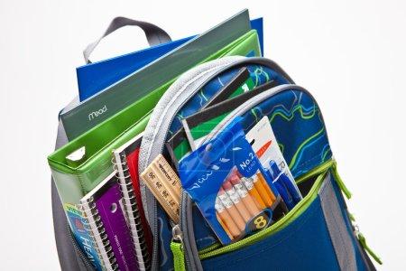 Photo pour Fournitures scolaires - image libre de droit