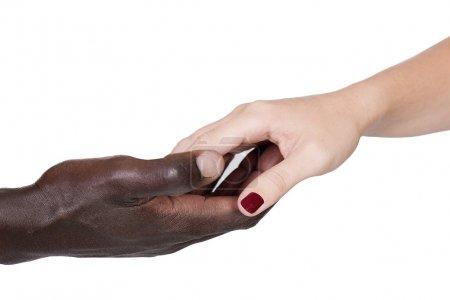mains noires et du Caucasiens
