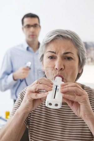 BREATHING, SPIROMETRY ELDERLY P....