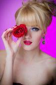 Portrét krásné mladé ženy