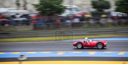 Maserati historic racecar at Le