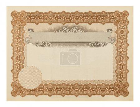 Photo pour Diplôme de fantaisie blanc d'isolement sur le fond blanc. - image libre de droit