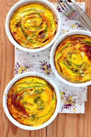 Vegetarian tartalets with zucchini and carrots