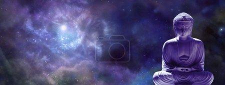 Photo pour Bouddha en position Lotus sur une bannière bleue de fond de l'espace profond - image libre de droit