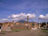 """Постер, картина, фотообои """"руины форума в некогда похоронен города Помпеи Италия"""""""